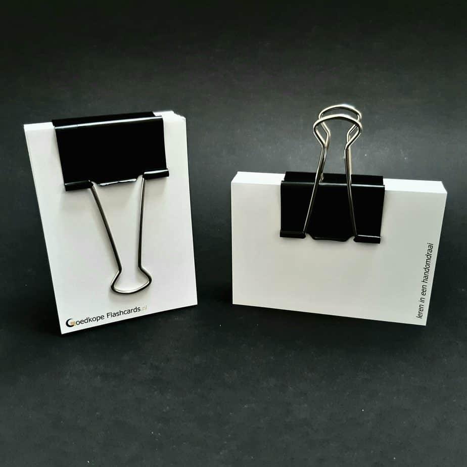 foldback papierklem groot op flashcards zwart